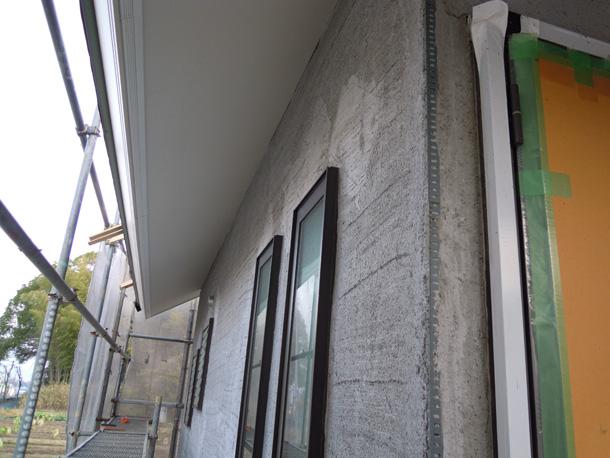外壁左官工事、下塗り